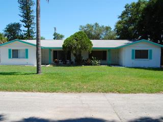 Large 1 Bedrm/1 Bath & Fla  Room  Walk to Downtown, Sarasota