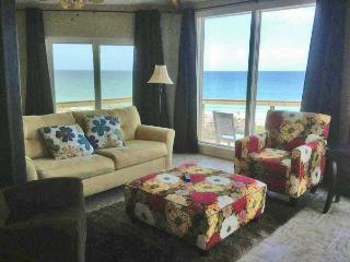 Brand New 3 Br Gulf Front House Ready for Guests, Englewood