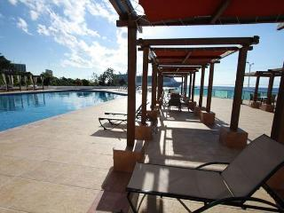 Across the road from the ocean with all amenities, Cozumel