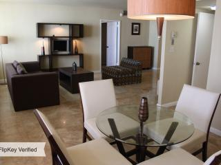 OCEANFRONT 1BR 1,5BA MIAMI BEACH at SEACOAST SUITE, Miami Beach