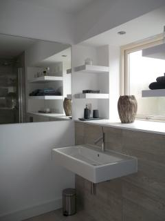 The bathroom, a perfect place to reflect!