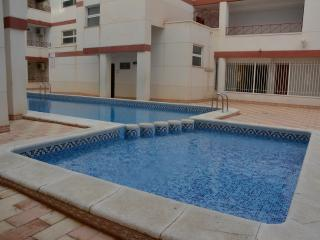 Spacious 1 Bed Apt in Central Torrevieja, Sleeps 5