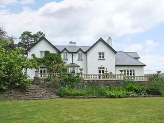 WOOD BANK, detached, en-suites, games room, gym, in Llanhennock, Ref 28119