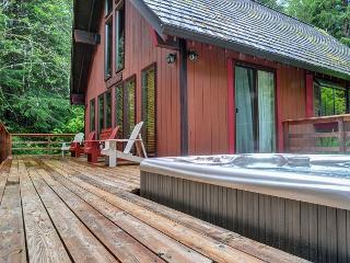 Zigzag Mtn Retreat -15% OFF Through NOV 1st-on 5 acres-Hot Tub-Horse Shoe Pit, Rhododendron