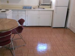 Cozy & Private 1BR Condo Only 3 Blks 2 Beach!, Wildwood
