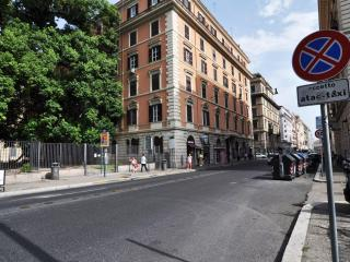 New 4bedroom in the historical centre (Termini2) - Rome vacation rentals