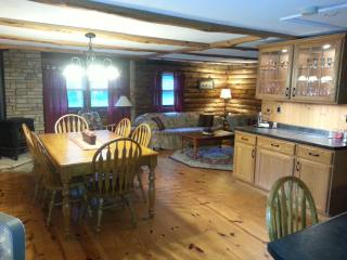 Private Spacious Country Log Cabin, Pownal