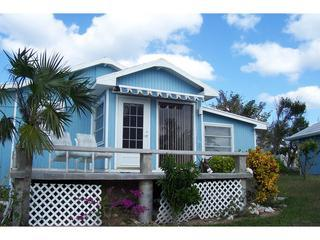 Tahiti Cottage - One bedroom waterfront cottage @Coco Bay - Green Turtle Cay - rentals