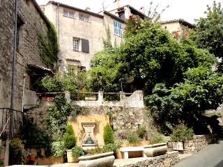 Townhouse with terraces and Wifi, Fayence, 5 pers.