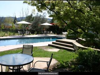 Private Retreat near Vineyards, Calistoga