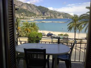 Apartment les Sablettes panoramic view front sea, Menton