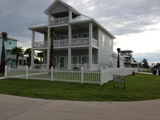 'Heavenly Days' Ocean View/ Boardwalk Sleeps 18, Port Aransas