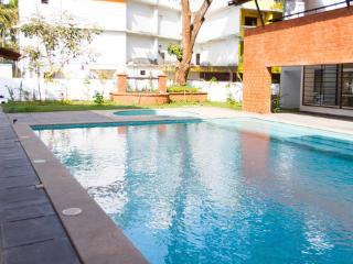 Modern Courtyard Apt: Comforts in Goa's Midst, Panaji