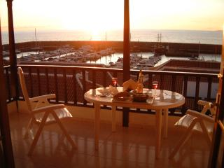 1 or 2 bed Penthouse's wifiA/C, Los Gigantes