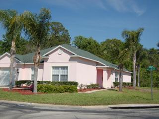 100 4 bedroom pool home with 2 master suites., Davenport