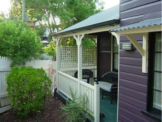 West End Cottage 2 - self contained, self-catering, Brisbane