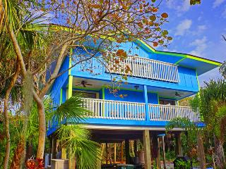 Blue Macaw - Lush Tropical steps to the beach - North Captiva Island vacation rentals