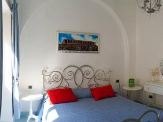 The Sea Sound Apt right on the beach in Terracina!