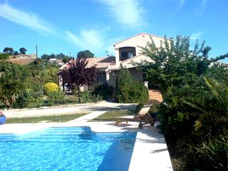 South of France Village Villa with Large Pool, Pezenas