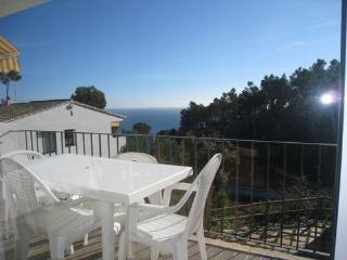 Nice Studio up to 4 with shared pool, Calella de Palafrugell