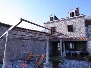 Holiday house near Dubrovnik for 8 to 10 persons, Plat