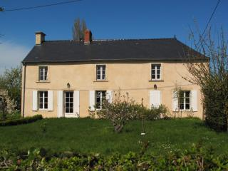 Close by Bayeux, family house with tennis court - Basse-Normandie vacation rentals
