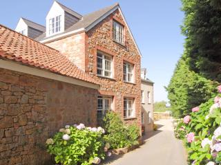 Boscobel Country Apartments, St. Aubin