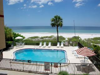 Wonderful Gulf Front Unit in a Small Complex! Heated Pool!, Indian Shores