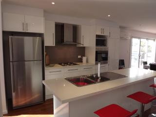 Home On Torrens 9A (4 bdrm), Kingscote
