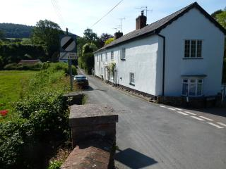 Quality 2 bed cottage in wonderful location, Sidbury