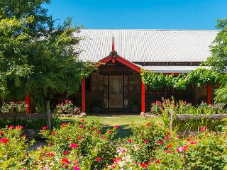Monkey Place Country House, Hunter Valley, Broke