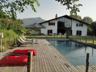 Basque farm with swimming pool - Basque Country vacation rentals