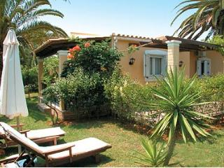 Villa 4 beds with pool  on Corfu island, Argyrades