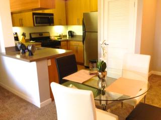 1 BR Heaven on Hollywood Boulevard on Walk of Fame - Hollywood vacation rentals