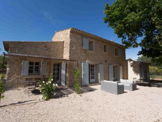 Bergerie le Bonhomme, 4 Bedroom Luberon Vacation Home, Grambois