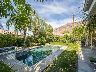 Charming, Cozy Private Home with Pool & Spa/Salt W, La Quinta