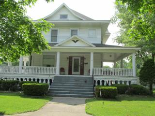 The Memory Manor - Huge Beautiful Victorian Home - Illinois vacation rentals