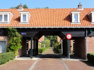 cozy 1 bedroom house in Amsterdam, free parking