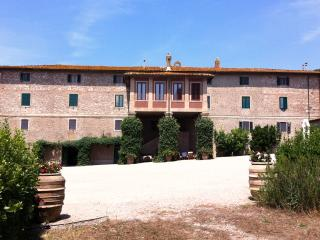 Holiday home on ancient Tuscan farm with beautiful, Magliano in Toscana