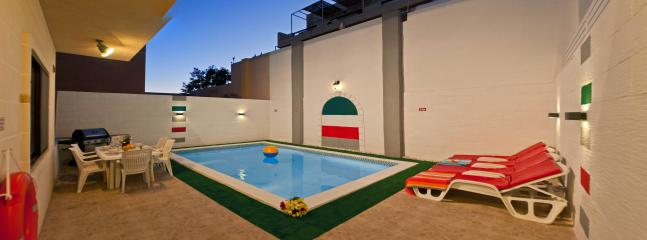 Outdoor area - Private pool with BBQ ,