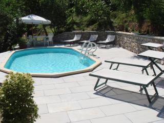 Georgeous four bedroom villa with pool, garden and terrace, the ideal place for a Tuscan holiday, Bagni di Lucca