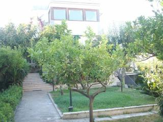 Graceful apartment in cottage with garden&BBQ, Bríndisi