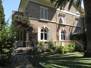 Villa with character and garden, Rosignano Solvay