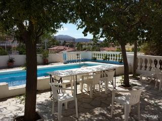 Villa, close to beach, airport, Lagonisi
