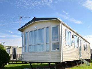 Deluxe Plus Holiday Home, Selsey