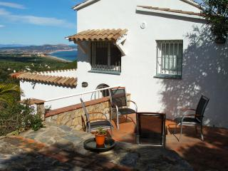 Nice detached house with sea view .COSTA BRAVA, Begur