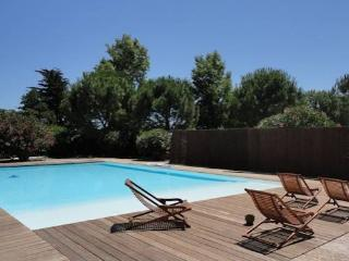 Villa holidays South of France, Tourbes