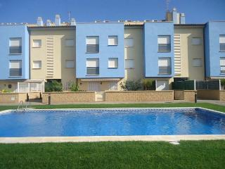 Duplex Orquidea. 150m to beach + pool, L'Estartit