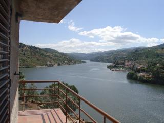 Splendid views, in front Douro River, Ancede