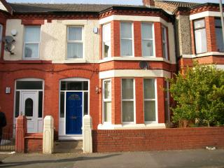 Sleeps 10 Liverpool